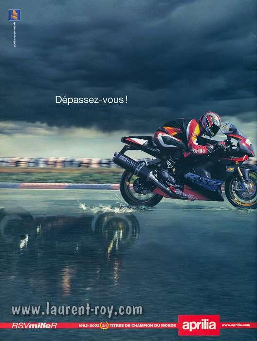 Blanc et Noir Porte Support de Taxe Vignette dassurance Etanche et Vogue pour Moto//Scooter//Quad